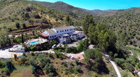 HOLIDAY PARK B&B IN ANDALUSIA NEAR NATURE PARK