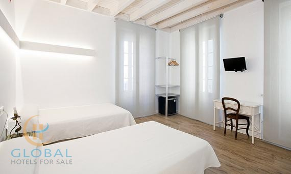 2* Historical Boutique hotel in Alicante
