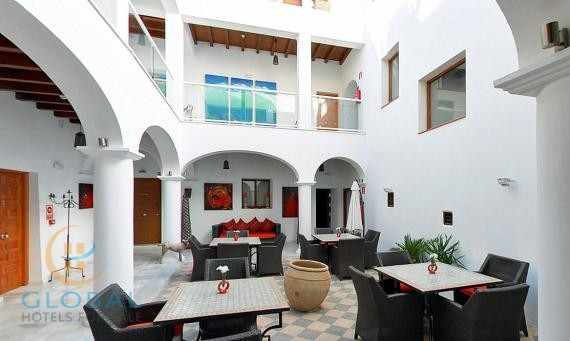 Small boutique hotel in a 16th century restored palace - Malaga area