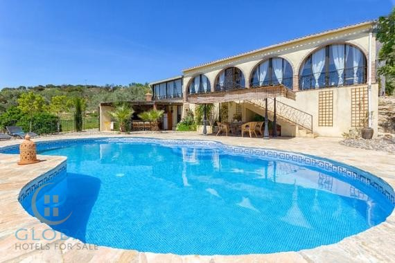 Rural accommodation in the oasis of tranquility 45 minutes from the beach
