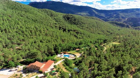 Holiday and rural tourism center with 286 hectares