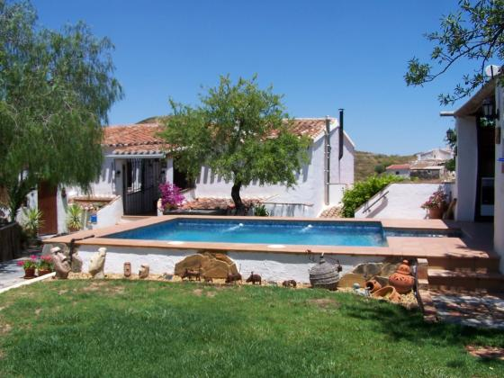 Traditional Cortijo with rental business 30 km from the beaches of Mojacar
