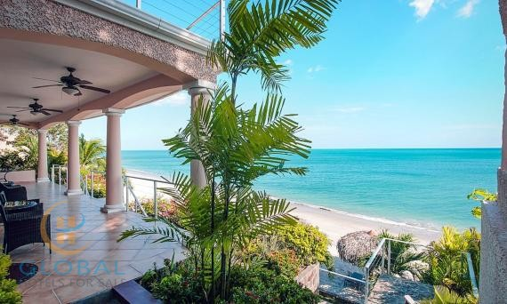 Luxury beachfront boutique hotel located in the best part of Panama, exempt from property tax until 2032