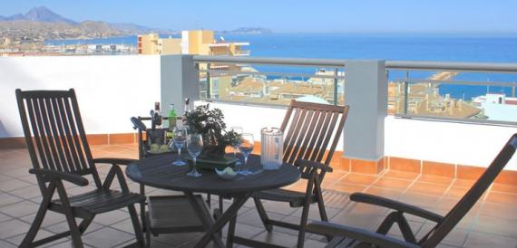 4-star hotel 1 minute from the beach and sea views (near to Alicante)