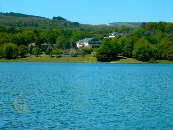 Pleasant 22-room hotel with restaurant in a natural setting in Galicia