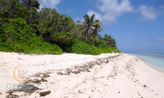 Exceptional plot on La Digue to construct holiday home or villa with income