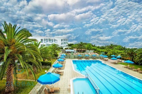 Fantastic 3 star hotel with sea views in Halkidiki