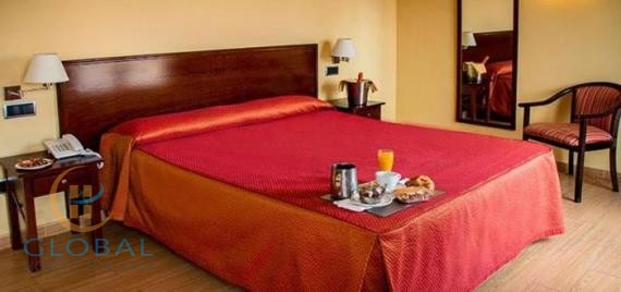 Excellent Hotel-Restaurant in the Community of Madrid